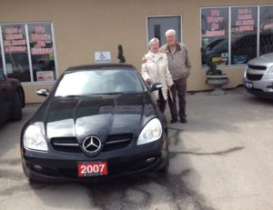 Mr & Mrs Mitchell styling with their Mercedes 2007 SLK!
